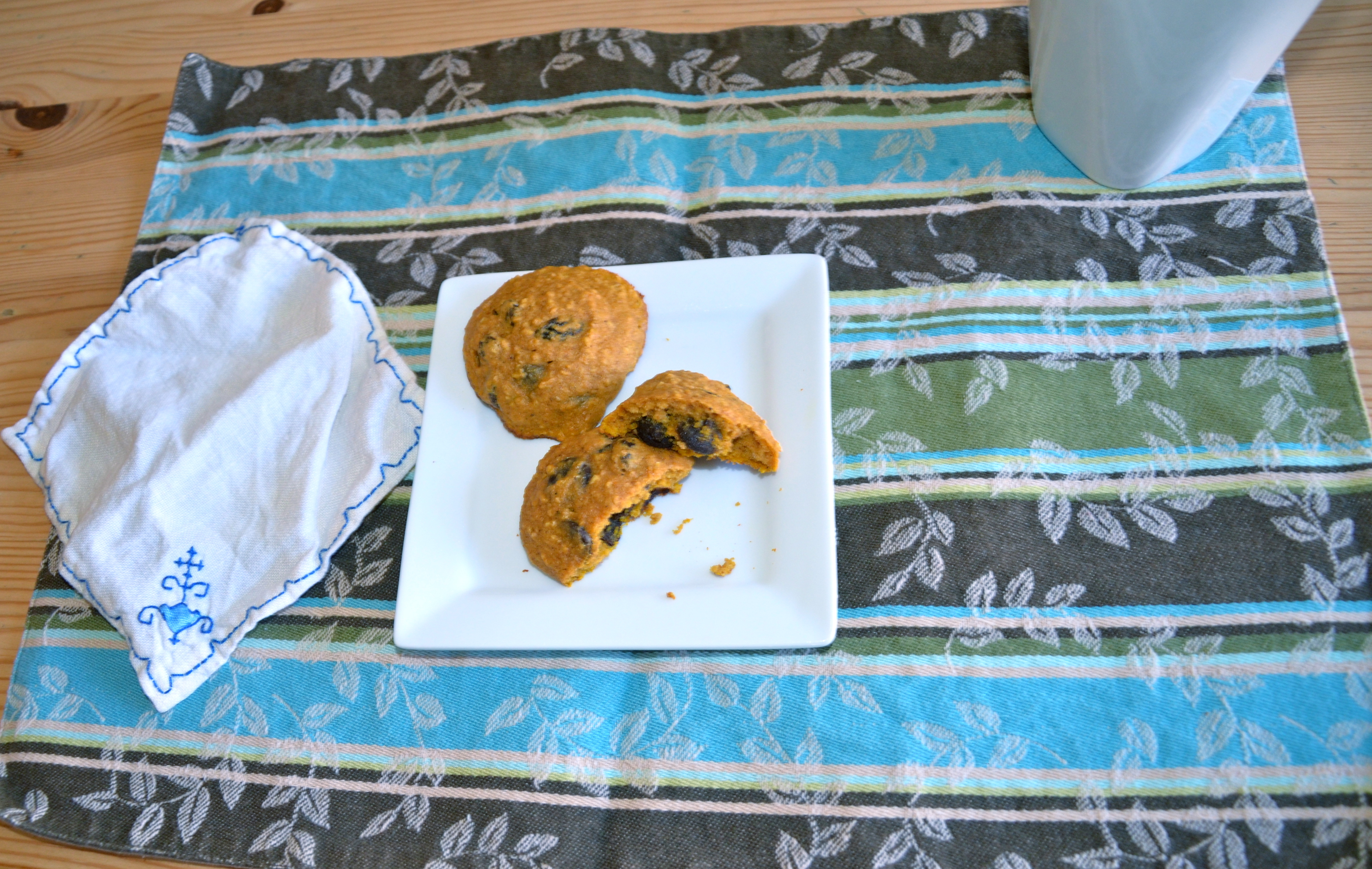 """Whole Grain Pumpkin-Chocolate Chip Cookies + One Sneaky """"Littlest ..."""